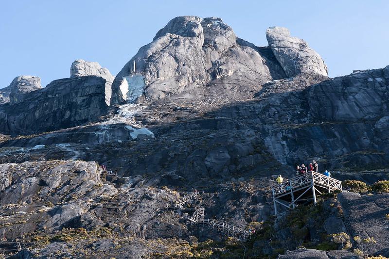 キナバル山の岩壁