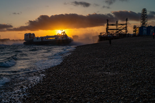 hovercraft hovertravel sea beach southsea portsmouth pompey clarencepier sunset sun dusk clouds sony alpha a58