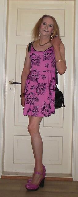 #smile #playingwithmyhair #summerwear #summerdress #feelingcute #happygirl #tgirl #transvestite #barelegs #highheels