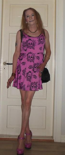 #smile #posing #feelingcute #summerdress #barelegs #highheels #tgirl #transvestite #summertime