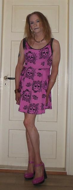 #smile #happygirl #posing #summerdress #ootd #barelegs #highheels #tgirl #transvestite #rockchick