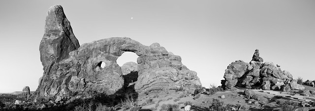 Turret Arch Black and White