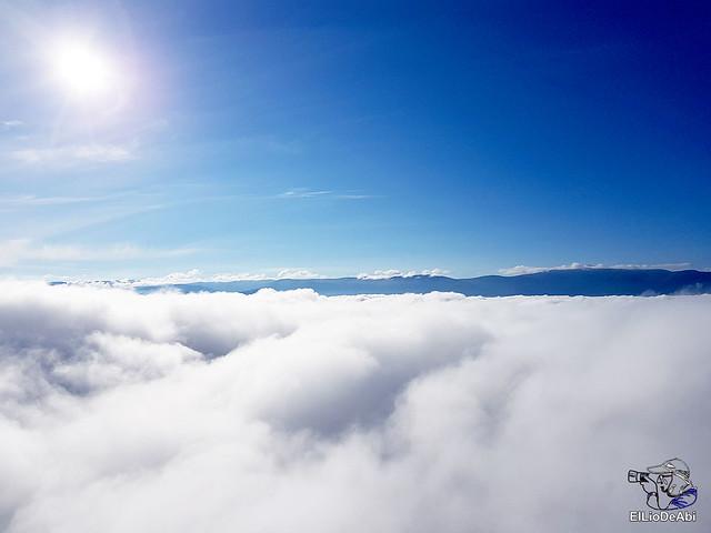 Siempre en las nubes un vuelo exclusivo  (14)