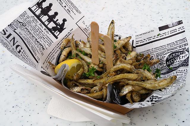 Frittierte Ährenfische