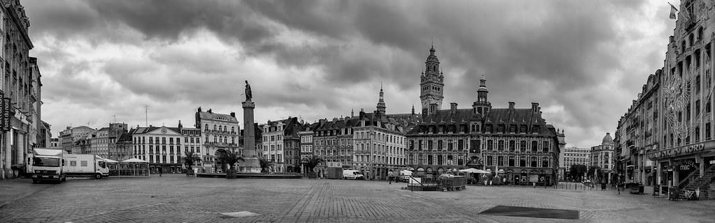 Matin gris sur la Grand Place... 48051095237_59c8bd811e_b