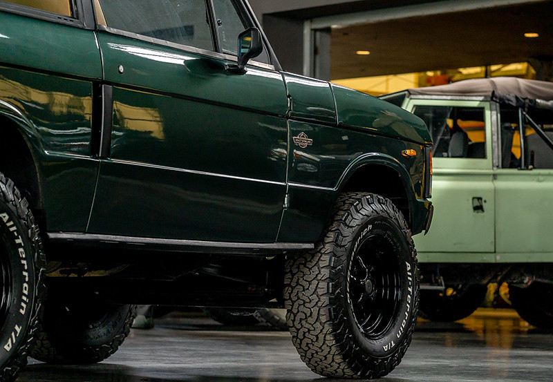 f9d1e488-legacyoverland_range_rover_classic_02