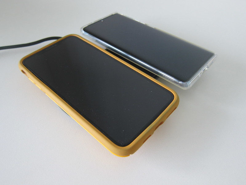 Choetech 5 Coils Dual Fast Wireless Charging Pad - With iPhone XS Max And P30 Pro