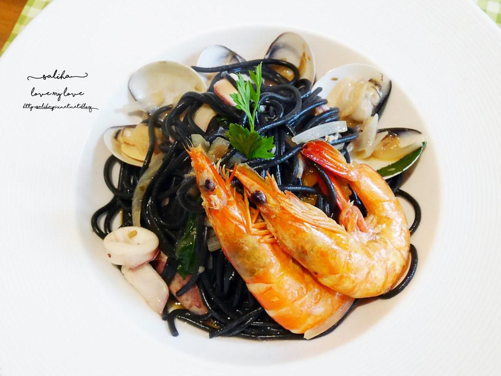 台北平價浪漫約會餐廳推薦LIRA義大利廚房樓中樓古典風情 (10)