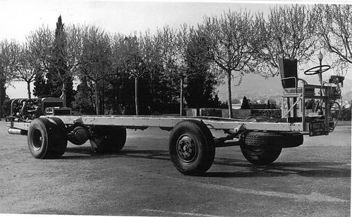 Xassís autocar Henschel Hispania motor posterior a Montjuïc