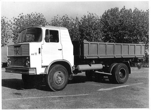 camió Henschel Hispania S11 amb bolquet