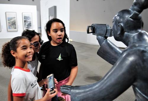 Alunos de escolas públicas visitam o Museu Nacional