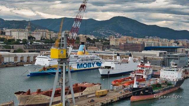 Hafenblick auf Genua