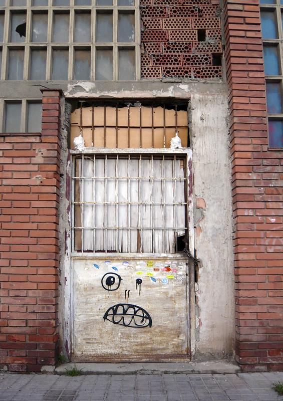 Poblenou Door
