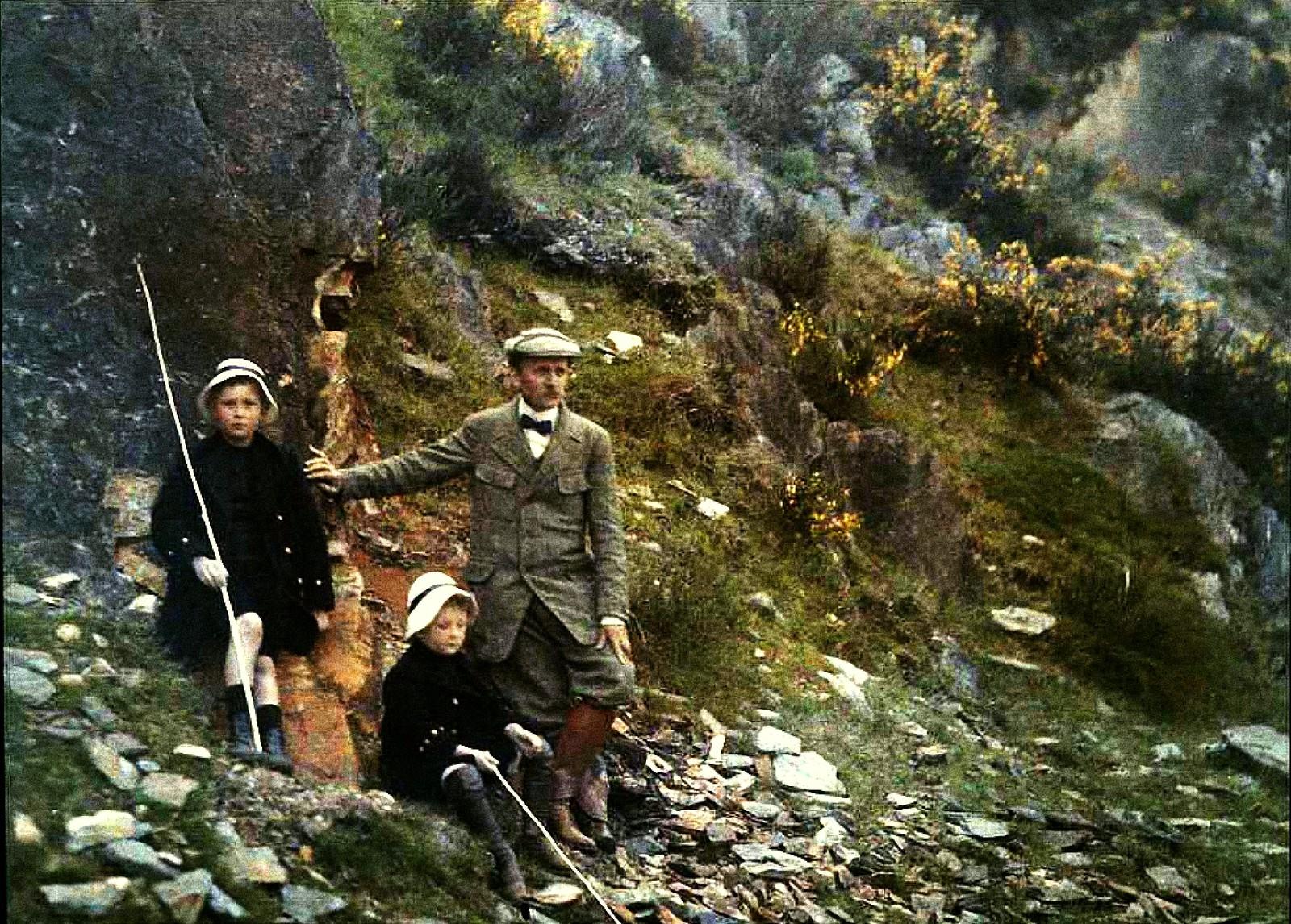 1911. Гюстав Гейн с сыновьями Пьером и Андре.
