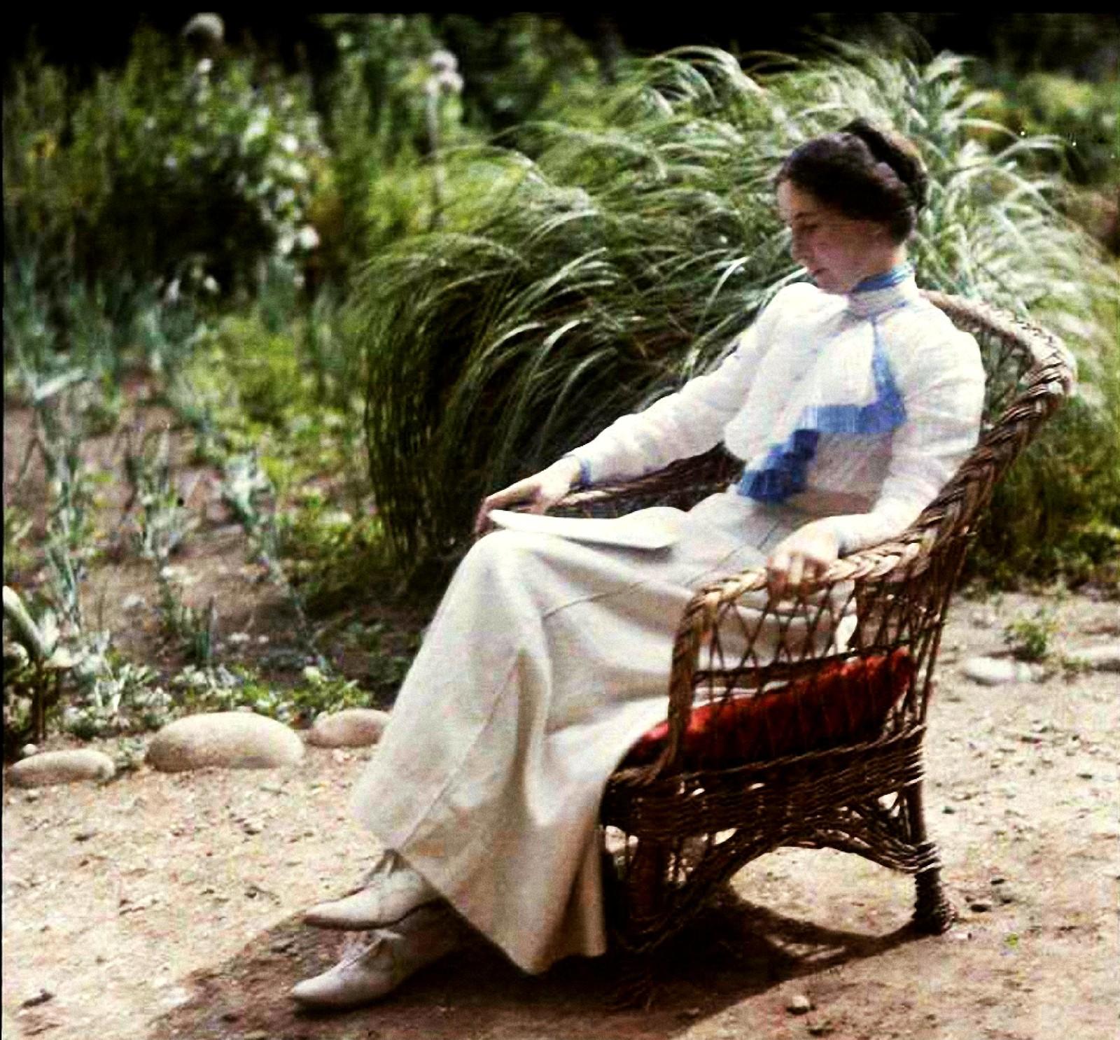 1911. В нашем саду в Порт-Блан