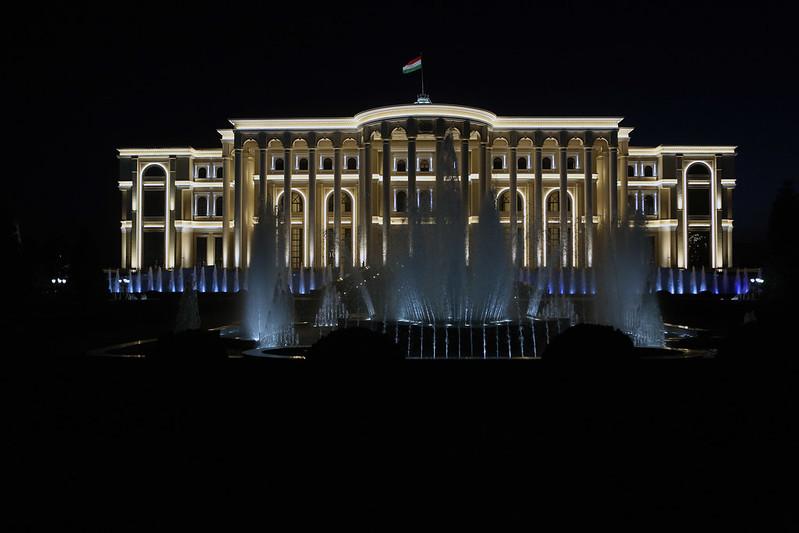 Президент Республики Таджикистан Эмомали Рахмон встретился с Президентом Социалистической Демократической Республики Шри-Ланка Майтрипала Сирисеном