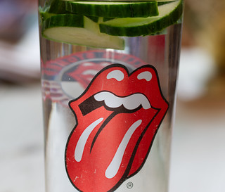 Red tongue - The Stones Sticky Fingers emblem.
