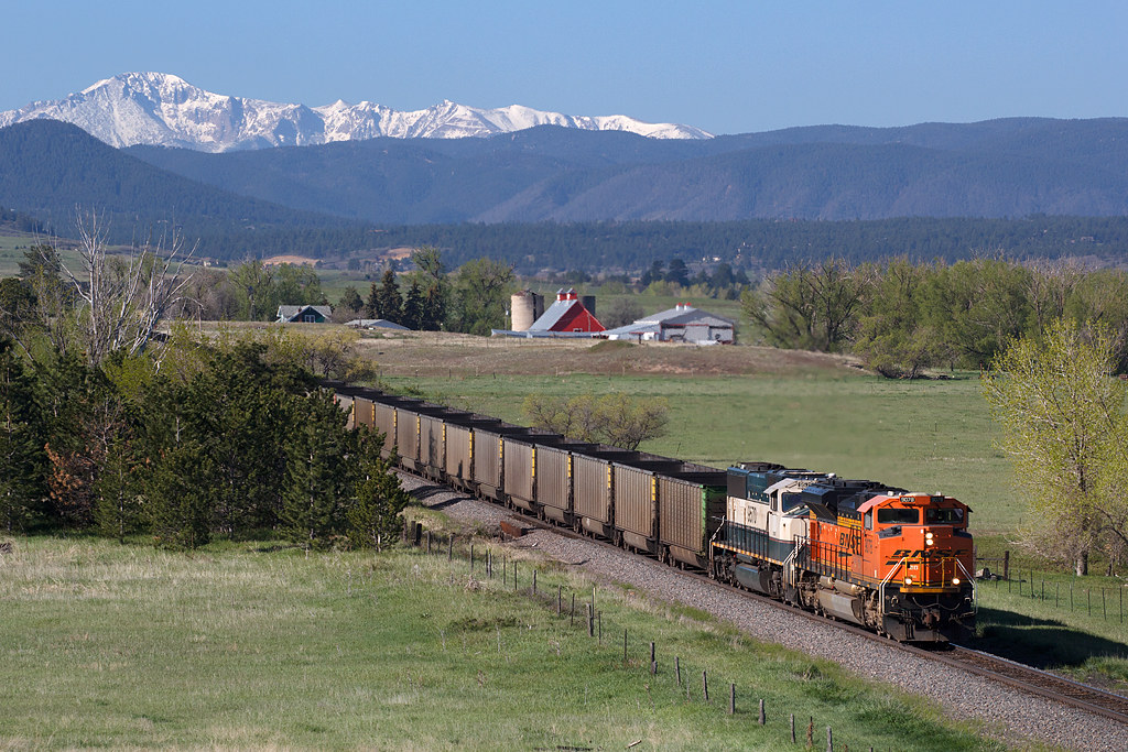 BNSF 9078 Castle Rock 26 May 19