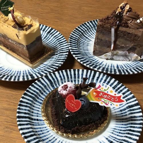 オーシャンブリッジ創立18周年と脳腫瘍発見8周年のお祝いケーキ