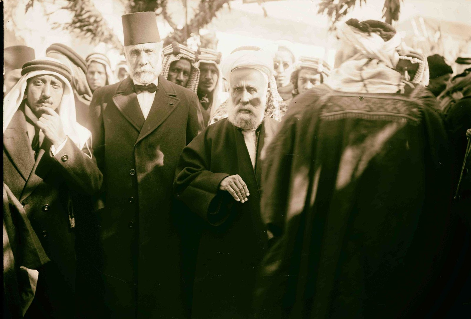15. Его Величество король Хиджаза Хусейн ибн Али аль-Хашими и Муса Кассем Баша аль-Хуссейни, Амман