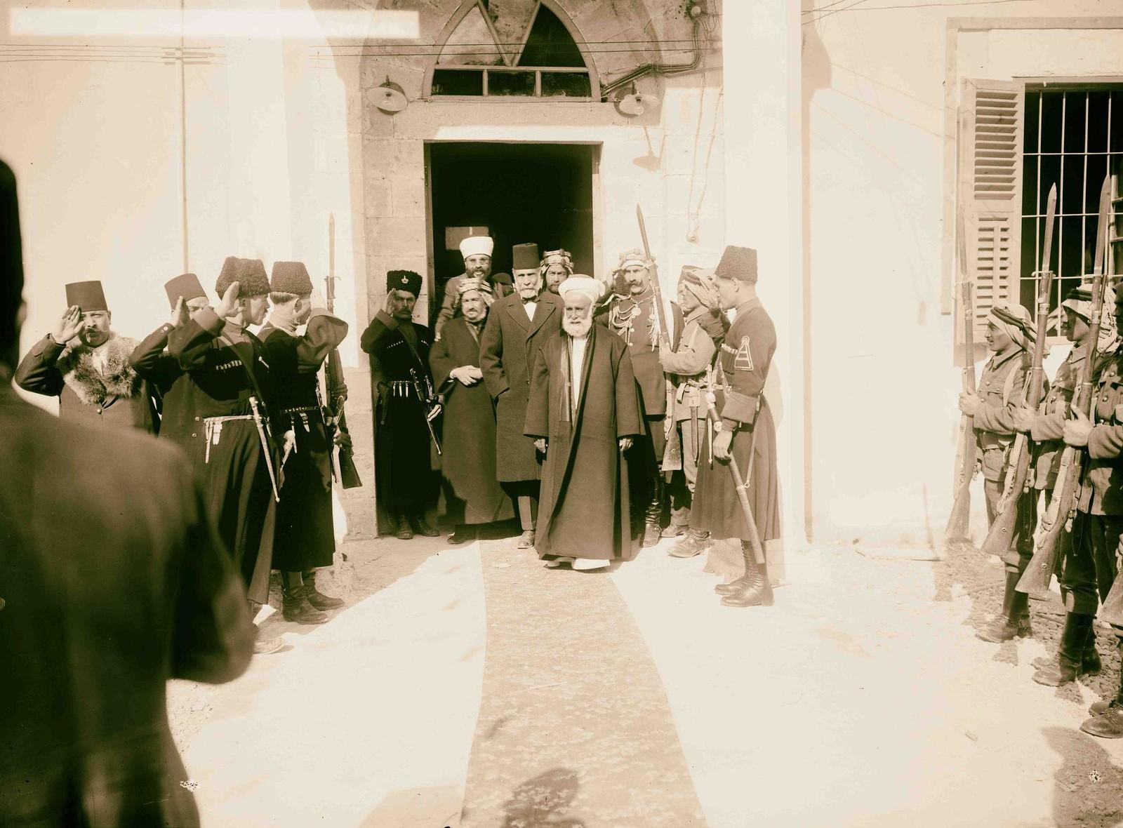 14. Его Величество король Хиджаза Хусейн ибн Али аль-Хашими в Аммане.
