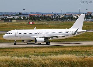 F-WWIU Airbus A320 Aero K