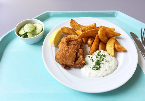 Coalfish with roast potatoes, remoulade & cucumber salad / Seelachs mit Röstkartoffeln, Remoulade & Gurkensalat