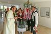 Empfang der Trachtenpaare zum Festgottesdient von Heimatpfarrer Marius Frantescu