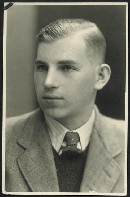 Archiv T156 Porträt, junger Mann, 1930er