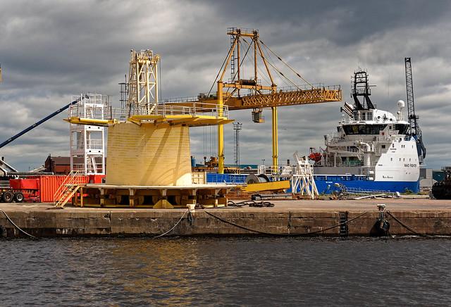 Edinburg / Albert Dock Basin / Forth Ports