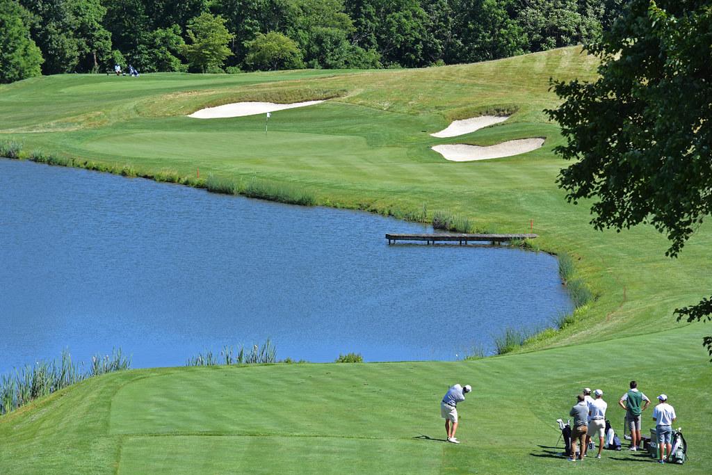 DSC_05456 | Jeff Osberg of Pine Valley Golf Club hits a ...