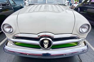 Ford skull grill