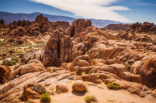 Alabama Hills with Inyo Mountains (3 of 8)
