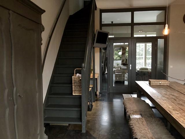 Antracietgrijze trap trapmand Riviera Maison