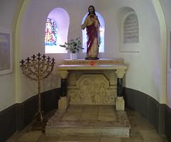 capilla Sagrado Corazon Jesus escultura interior iglesia Santos Cosme y Damian Clervaux Luxemburgo