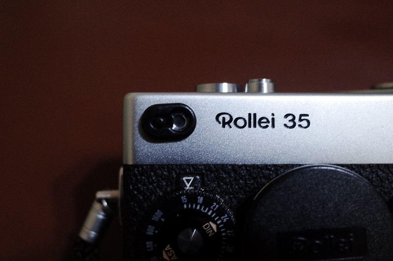 Rollei35用露出計カバーを装着