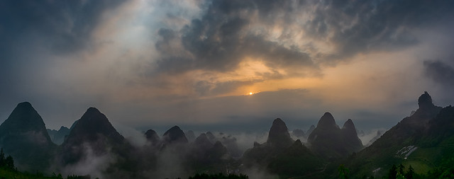 Sunrise (Yangshuo, China. Gustavo Thomas© 2019)