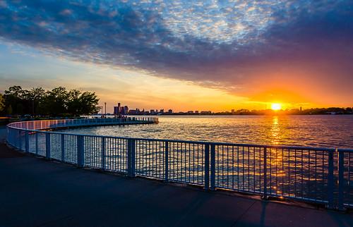 2019 canada detroitriver june ontario reaumepark windsor riverfront sunset