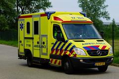 Ambulance Rotterdam-Rijnmond Voertuig: 17-104