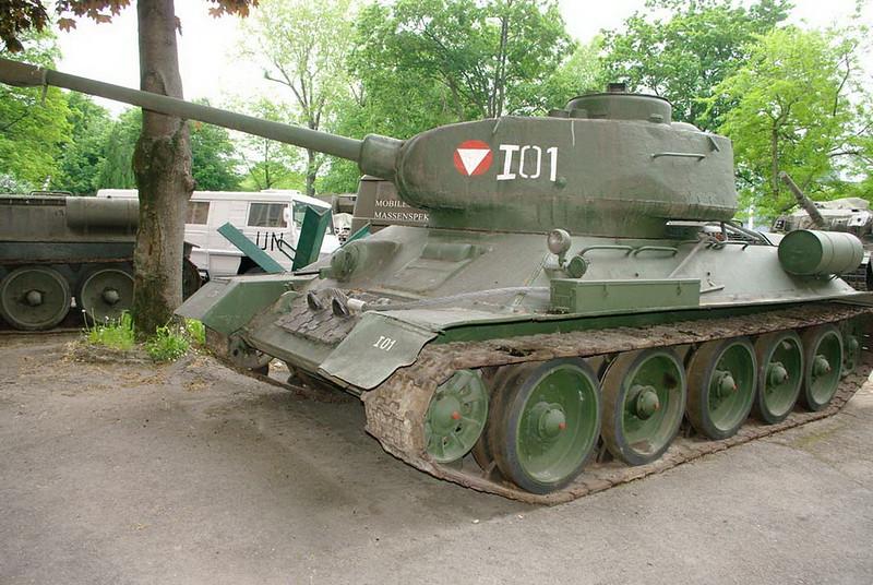 T-34-85 00038