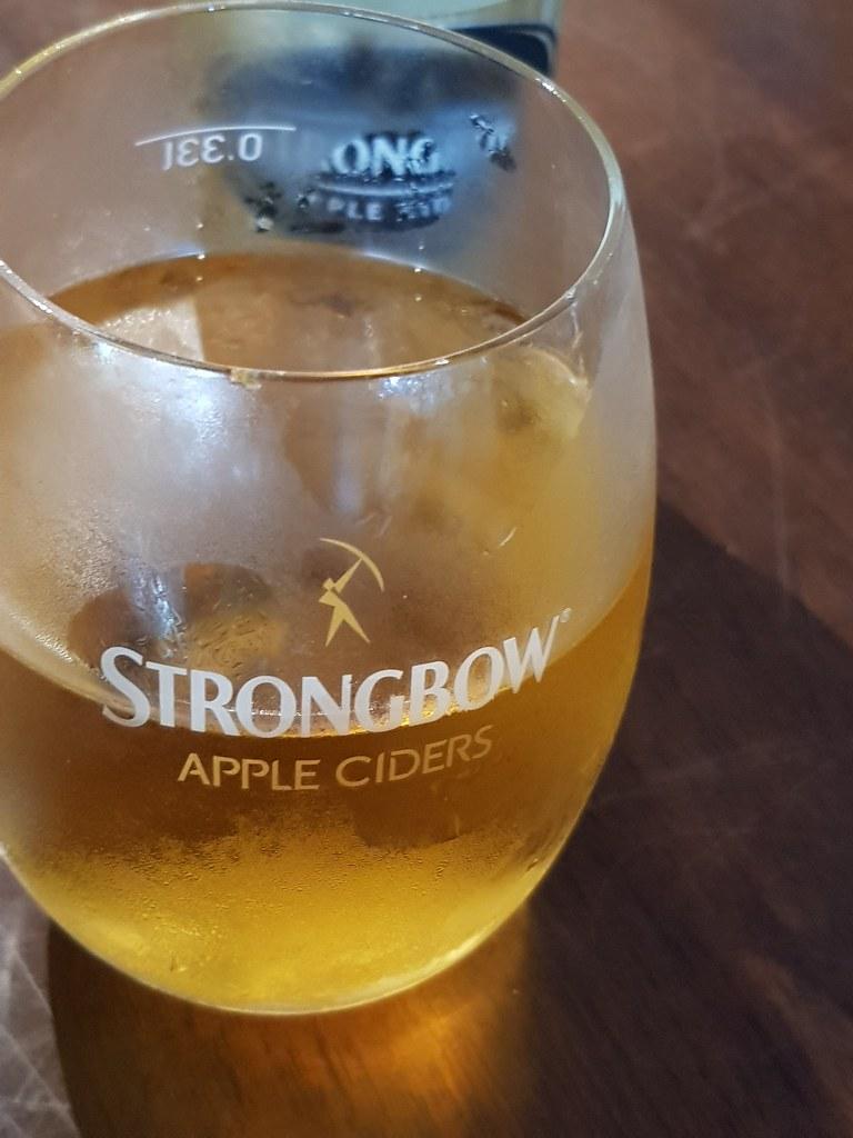 苹果酒 Strong bow 330ml rm$30 @ The Shepherdoo in One City USJ1