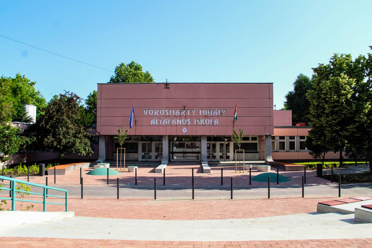 Felújítják az odesszai rózsaszín iskolát
