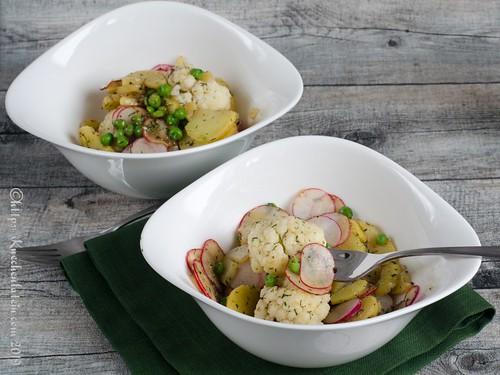 Kartoffelsalat mit Blumenkohl, Erbsen und Radieschen (1)