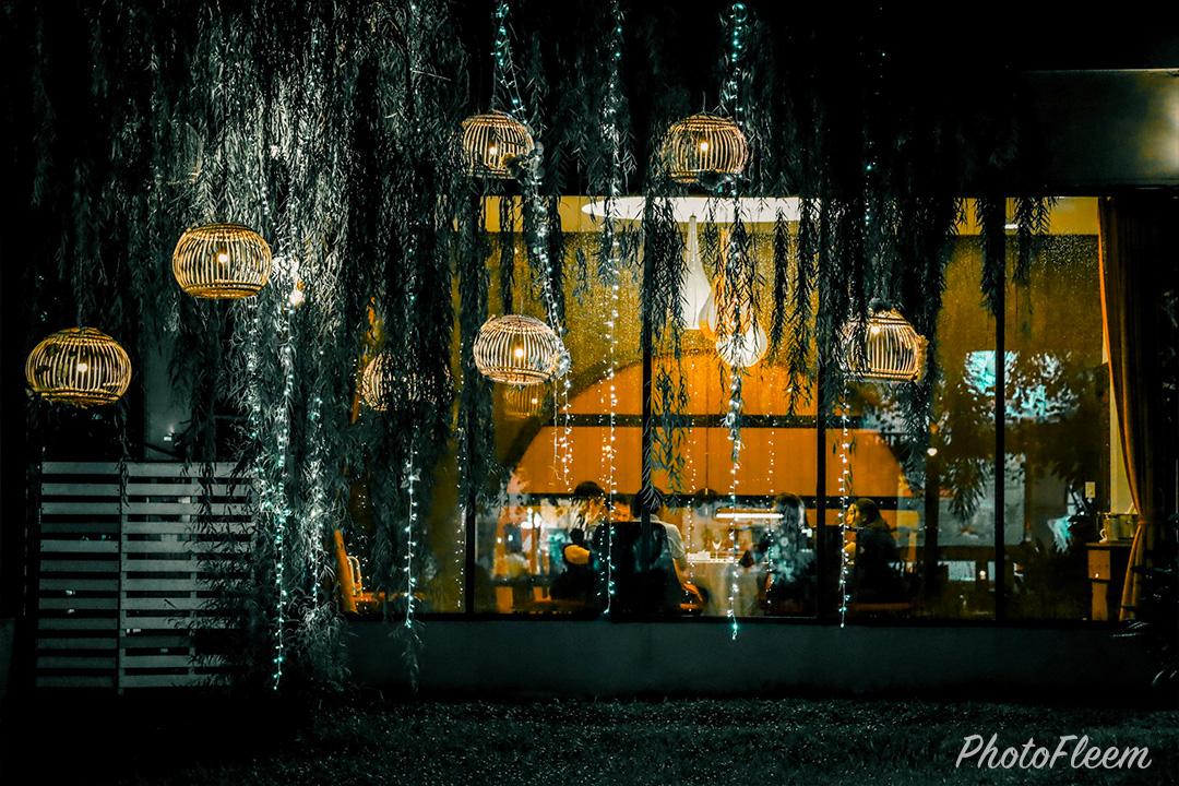 ภาพถ่ายกลางคืน จ.อุดรธานี โทนสตรีทไนท์ แต่งด้วย Lightroom