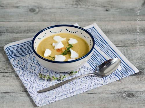 Geröstete Auberginensuppe mit Ziegenfrischkäse (1)