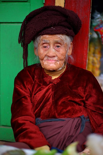 Portrait of an old woman, Kalaw Market
