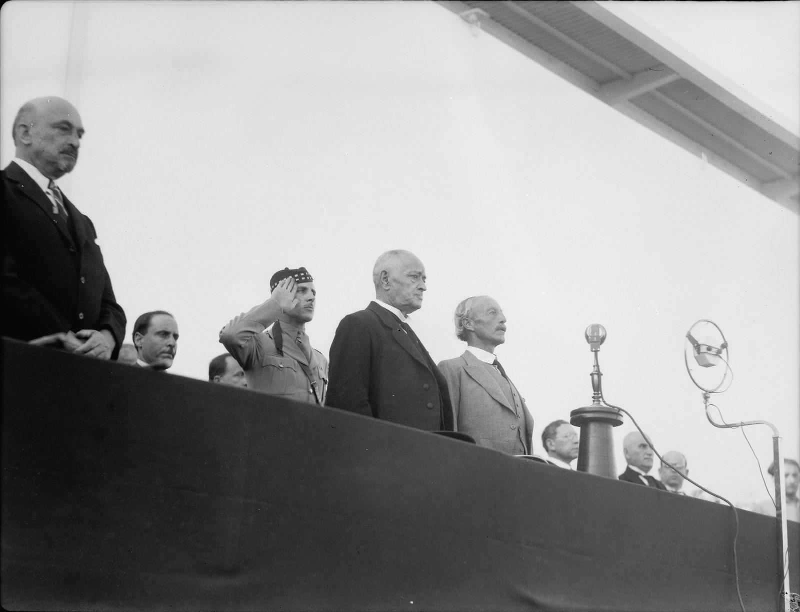 Тель-Авив. Д-р Вейцман, г-н Дизингофф и Верховный комиссар на церемонии открытия Выставки