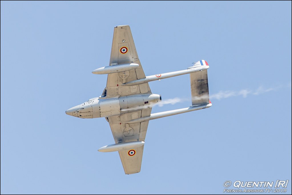 De Havilland Vampire FB.6 DH-100 - F-AZOO Meeting de l'Air BA-115 Orange 2019 Canon Sigma France contemporary lens Meeting Aerien