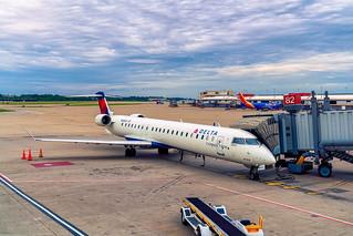 Delta Air Lines Connection Jet - Bombardier CRJ-900 at PIT Gate 82 (N605LR)