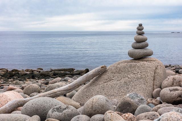 Cairn (Otter Cliffs Beach)